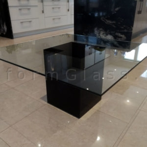 coffe-table-with-painted-glass-base